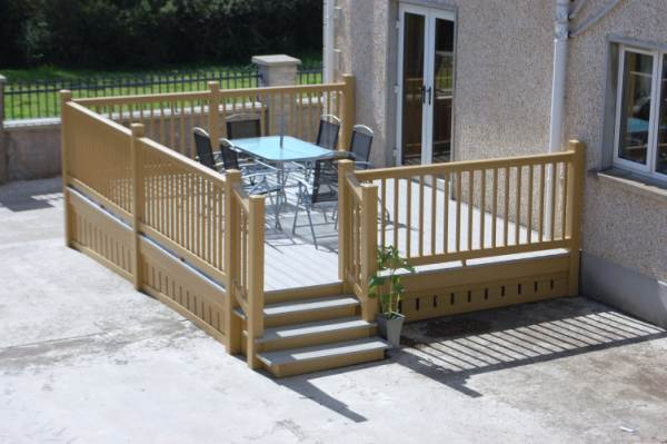 ROSEWOOD BALUSTRADING AND DECKING