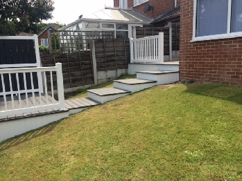 ANTI SLIP GREY DECKING LEEDS