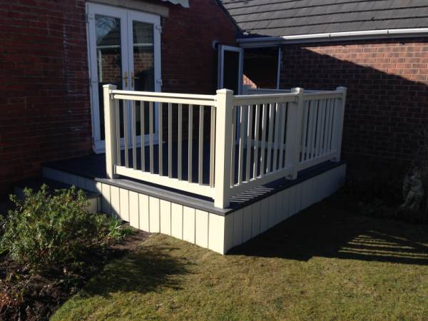 decking Doncaster with balustrades